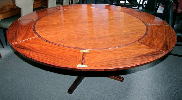 Rare Extendable Rosewood Dining Table By Dyrlund 1stdibs Com