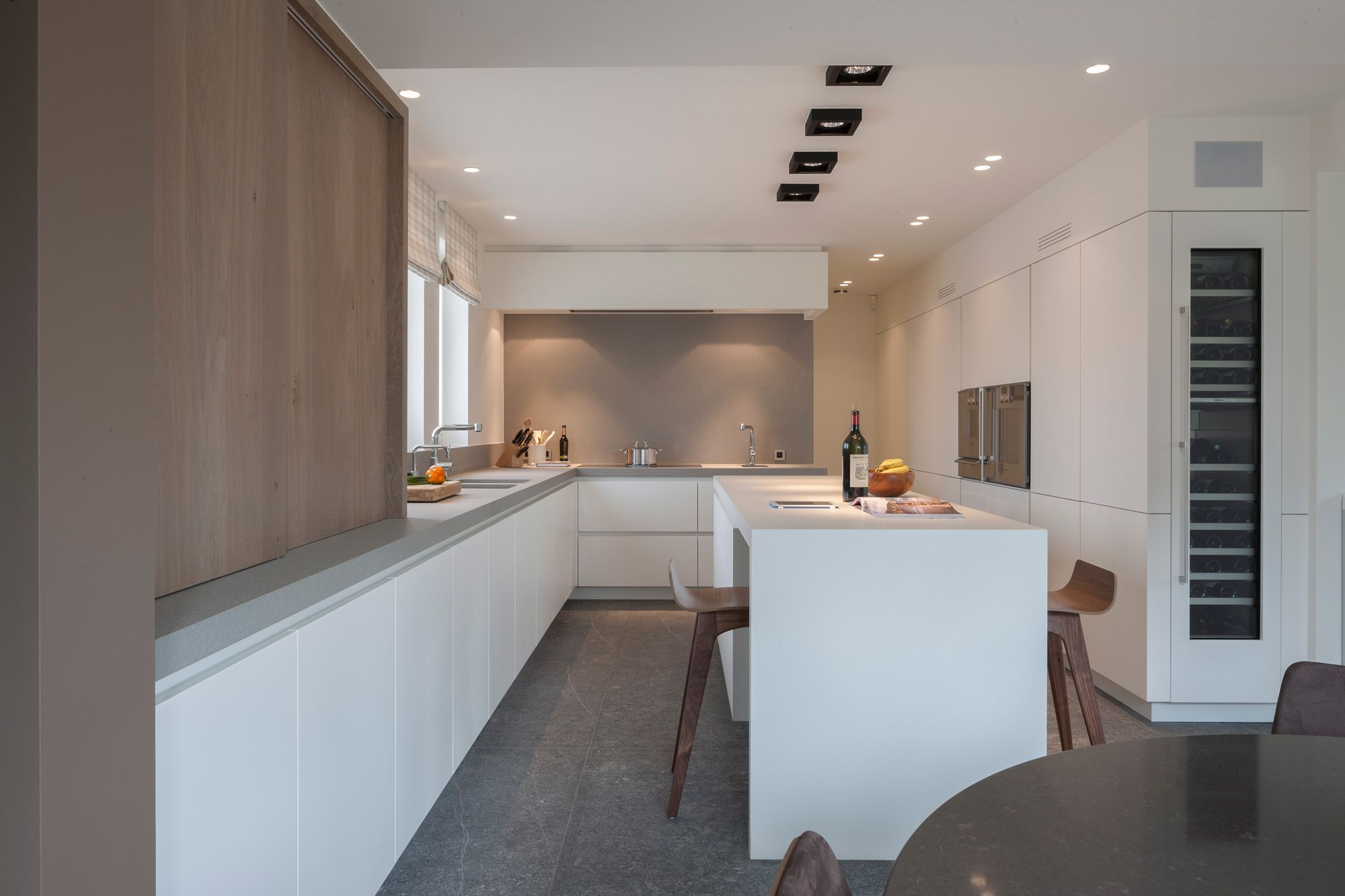 Louis culot keukenwerkbladen in natuursteen dom i wnętrza