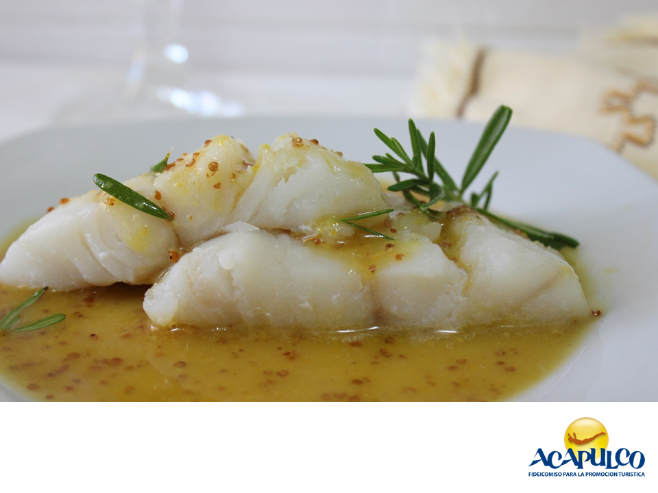 #gastronomiaguerrerense Deléitate con un rico bacalao con salsa de miel en Acapulco. LAS MEJORES RECETAS. El bacalao es un pescado que estamos acostumbrados a comer a finales de año, pero también lo puedes encontrar preparado en salsa de miel a lo largo de Acapulco. Su sabor es un poco dulce y se acompaña de otros ingredientes como hierbas aromáticas. Te invitamos a degustar este exquisito platillo, durante tus próximas vacaciones en el paradisiaco puerto de Acapulco…