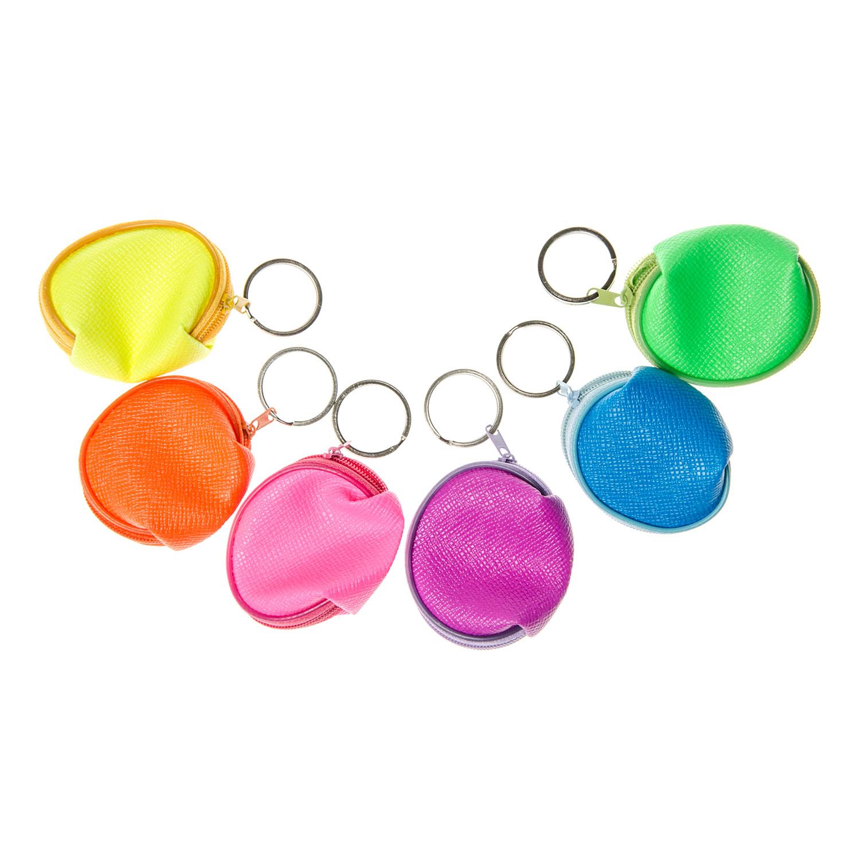 eb20dee06d9 Klein portemonneetje met sleutelhanger in een felle neon kleur. De  portemonnee is voorzien van een