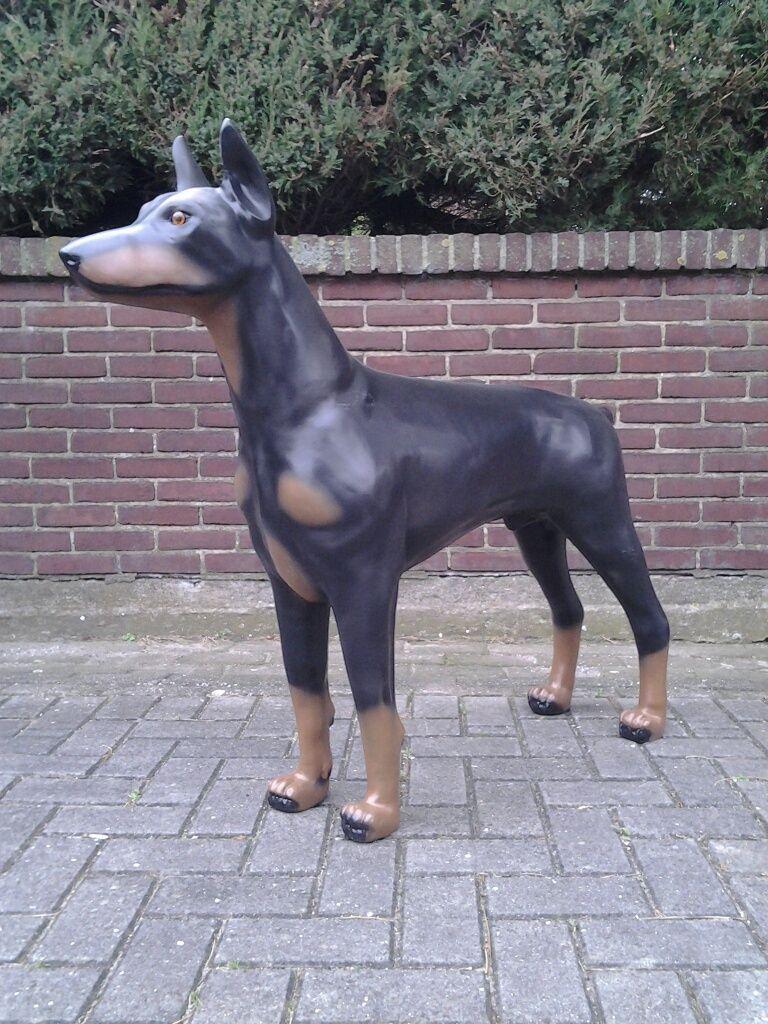 Hundefiguren In Lebensgrosse Dobermann Hunde Figur