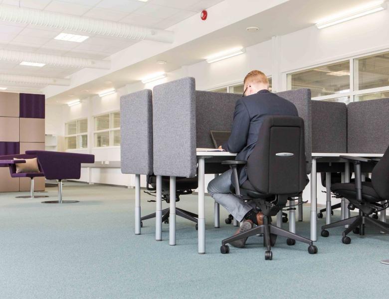 ABB toimistosuunnittelu monitilatoimisto hiljainen huone Aveo Vaasa