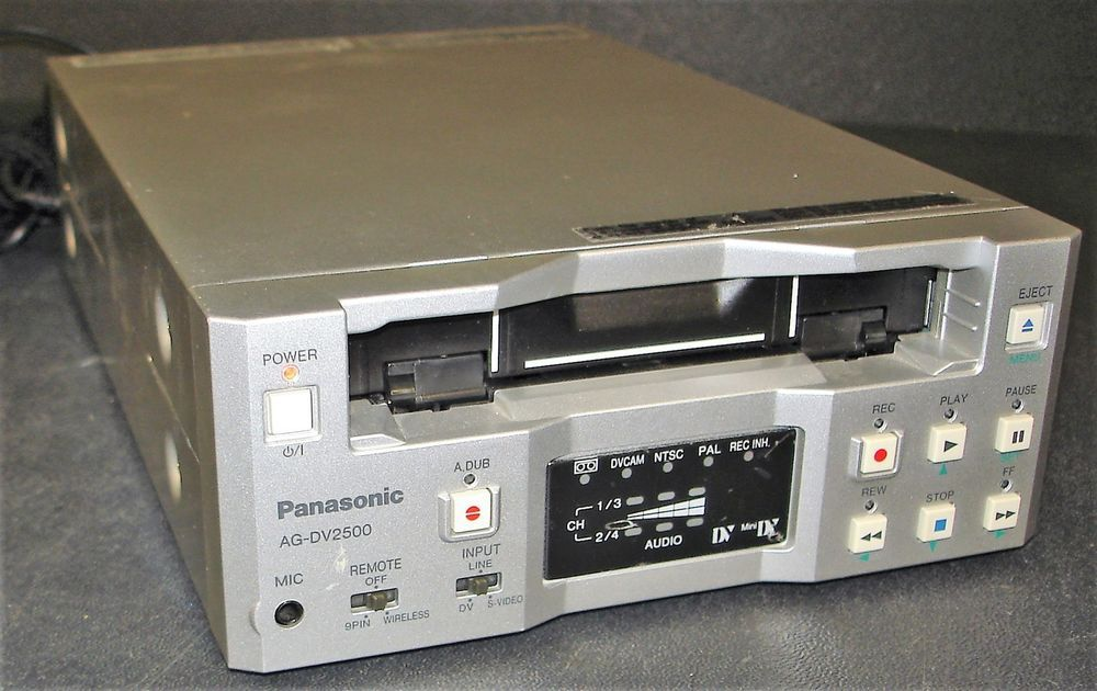 Panasonic AG-DV2500P Mini DV DVCAM VCR DECK NTSC//PAL
