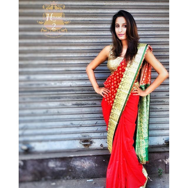"""""""Banarasi saree trending up book your favorite now To purchase this product mail us at houseof2@live.com  or whatsapp us on +919833411702 for further detail #sari #saree #sarees #sareeday #sareelove #sequin #silver #traditional #ThePhotoDiary #traditionalwear #india #indian #instagood #indianwear #indooutfits #lacenet #fashion #fashion #fashionblogger #print #houseof2 #indianbride #indianwedding #indianfashion #bride #indianfashionblogger #indianstyle #indianfashion"""" Photo taken by…"""