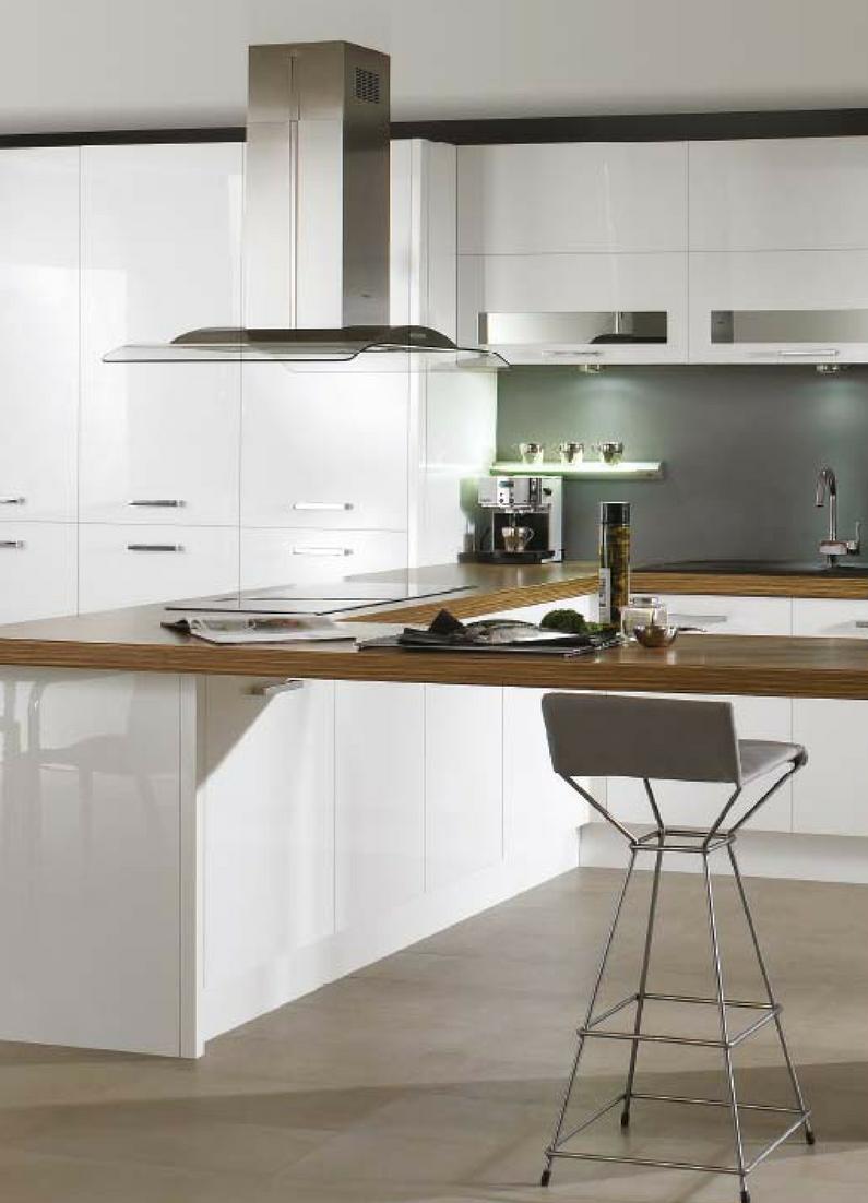 Küche in Weiß: matt oder glänzend? Was ist besser | Bartheke, weiße ...