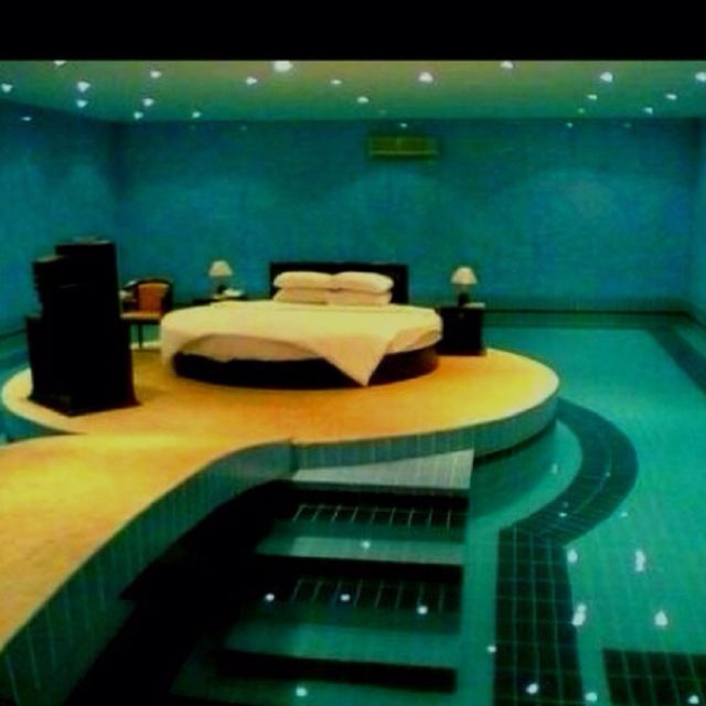 cool bedrooms with water. Funny Pictures About Swimming Pool Bedroom. Oh, And Cool Pics Also, Bedroom Photos. Bedrooms With Water .