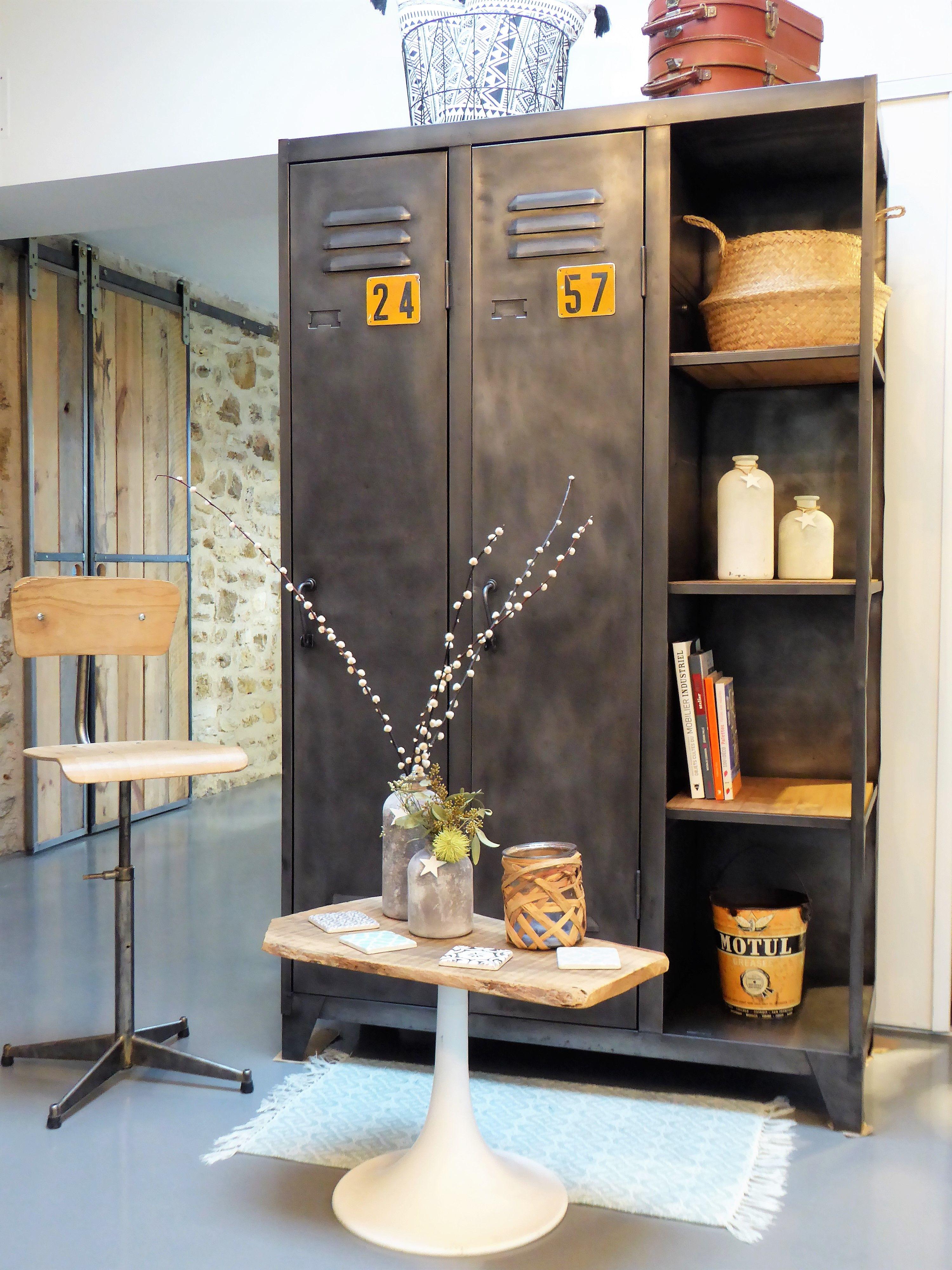 Vestiaire An 70 Inspirationrecup Com Vous Propose Un Vestiaire Des Annees 70 Avec Son A Vestiaire Entree Idees De Decoration Interieure Deco Maison Interieur