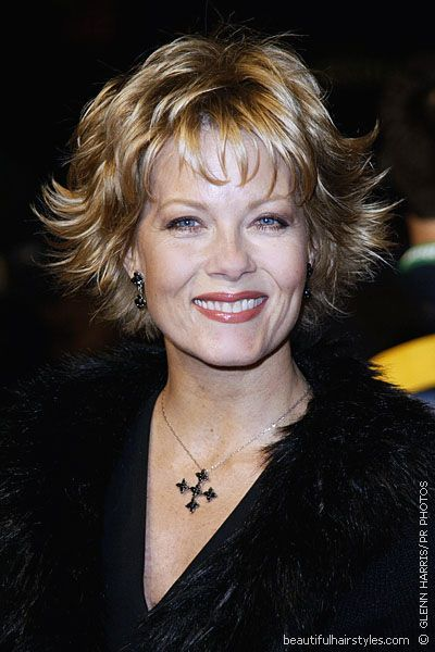 Barbara Niven In Very Flippy Short Hairstyle With Bangs And Many BEAUTY
