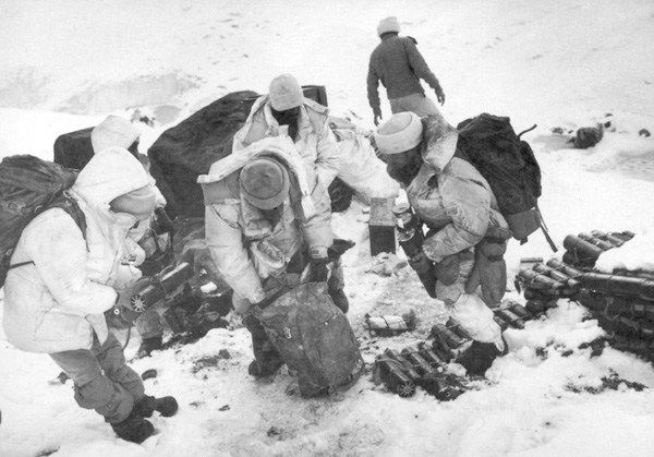 indian soldier found alive six days after avalanche in siachen