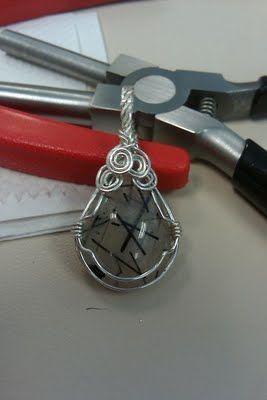 Something shiny art wire wrap pendant tutorial wirework something shiny art wire wrap pendant tutorial aloadofball Images