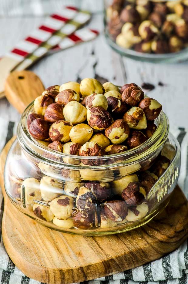How To Roast Hazelnuts Recipe In 2020 How To Roast Hazelnuts Hazelnut Recipes Nut Recipes