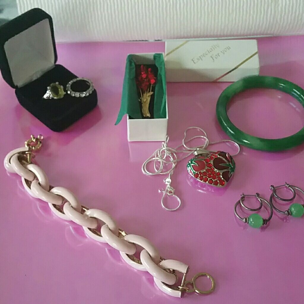 Holiday Gifts Jewelry Pick A Piece Flash Sale