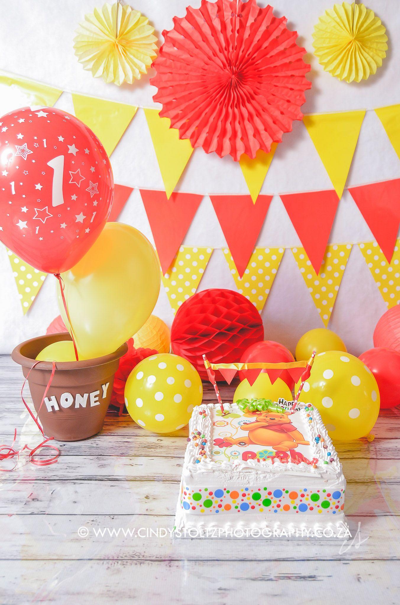 Luthando sneak peek1 cake smash theme winnie the pooh