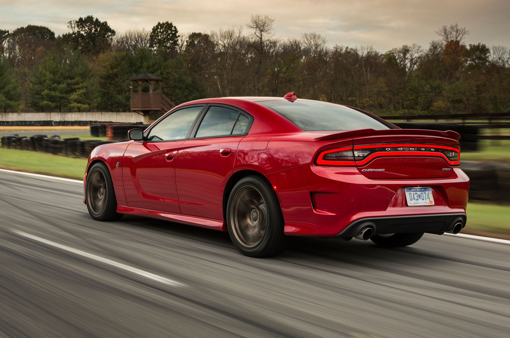 Sporty Cars With The Most Trunk Space Charger Srt 2015 Dodge Charger Dodge Charger