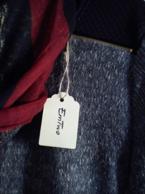 Jersey con aplicaciones.  https://www.facebook.com/llovetmir