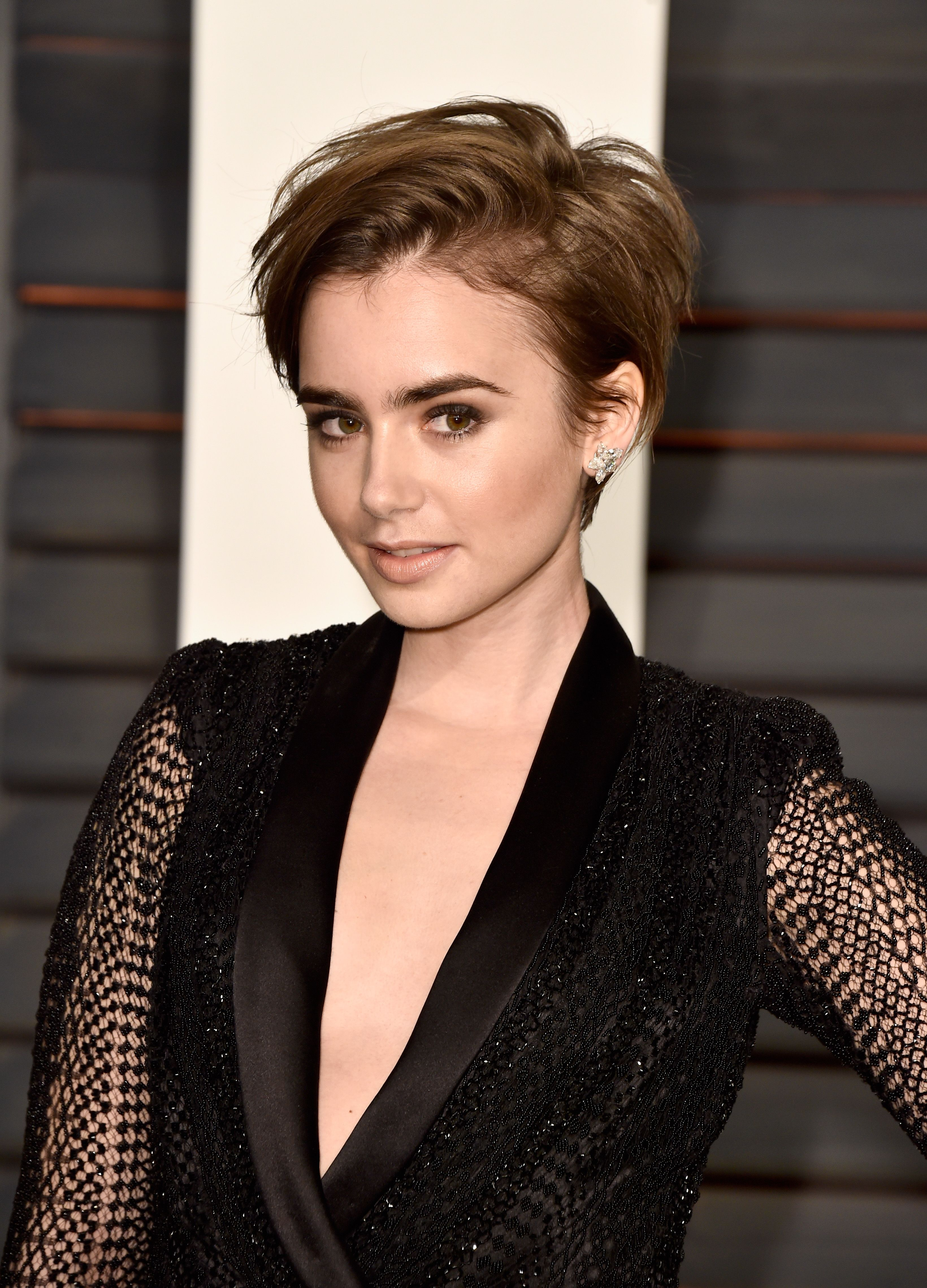 The best short hairstyles and haircuts to try now lily collins
