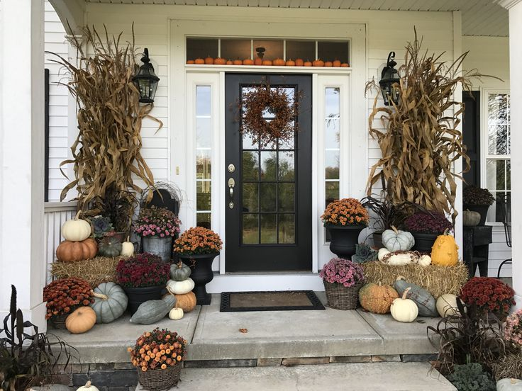 Fall porch decorating is the best!! Fall porch decorating is the best!! #fallfrontporchdecor