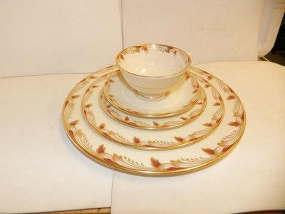 SET LENOX ESSEX CHINA GOLD TRIM, MAROON, SMOOTH EDGE, EXCOND,8 SETS