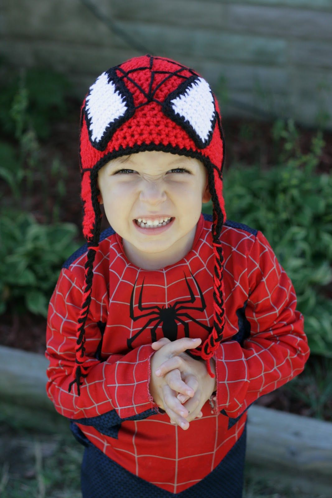 Spider man crochet hat pattern free spiderman hat zoe the spider man crochet hat pattern free spiderman hat zoe the giraffe hat toddler warm bankloansurffo Choice Image