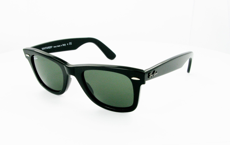 d80aa8eb52e Lunettes de soleil RAY BAN Wayfarer RB 2140 901 54 18 Mixte noire Wayfarer  Cerclée Tendance 54mmx18mm 96€. Sobriété et élégance avec cette paire de  lunettes ...