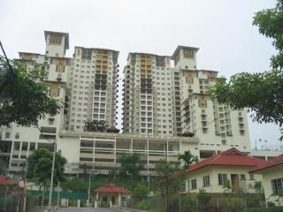 For Rent: Perdana View Condo,887sf,3R2B,Partly Furnished Location: Damansara Perdana, Selangor Type: Condo/Serviced Residence Price: RM1700 Size: 887 sqft  Jimmy 0163606237