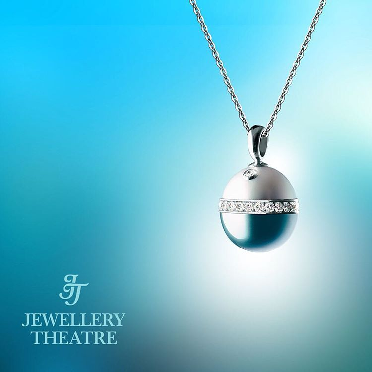 On the eve of easter sunday jewellerytheatre presents you with on the eve of sunday presents you with the ideal easter gift our pearl dreams pendant it is created from a combination of light and dark with a diameter negle Image collections