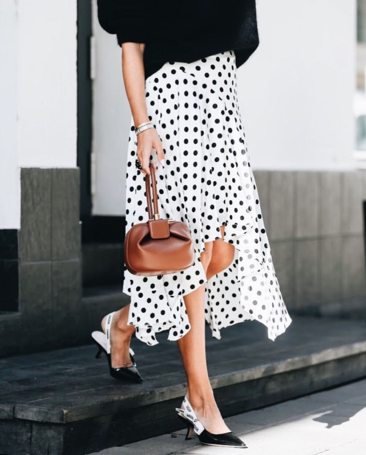 d0917c3b02 polka dot skirt and dior slingback shoes | Beautiful Black & White ...