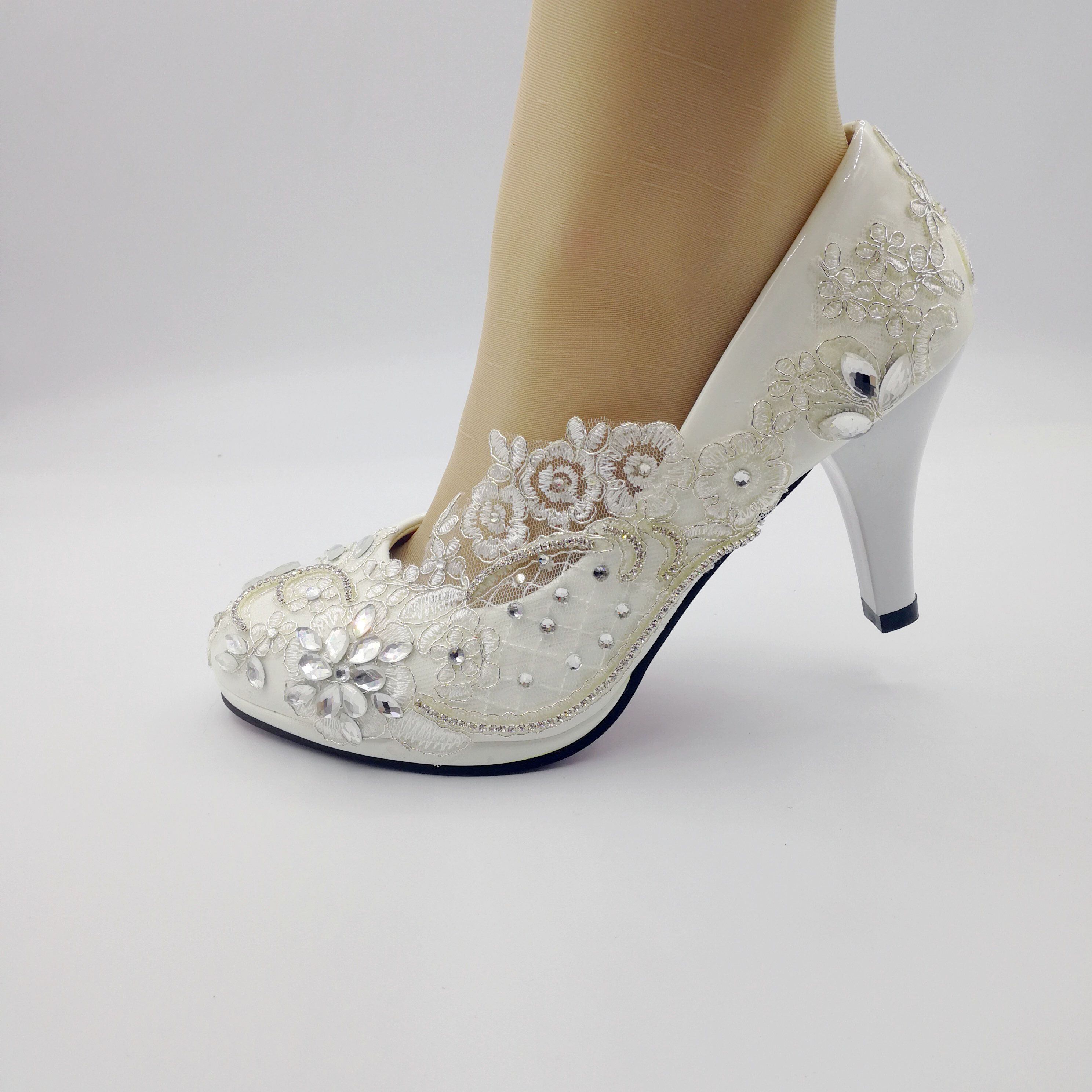 Lace Flower Lady Shoes White Lace Wedding Shoes Bridal 3 Inch Heel Shoes Size Us 5 9 5 By Uniqueweddingshoes On Etsy Https Www Etsy Com Listing 650 Seculo Xix