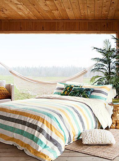 Un design australien exclusif chez simons maison on adore la simplicité contemporaine des rayures texturées shantung chambre à coucherdeco