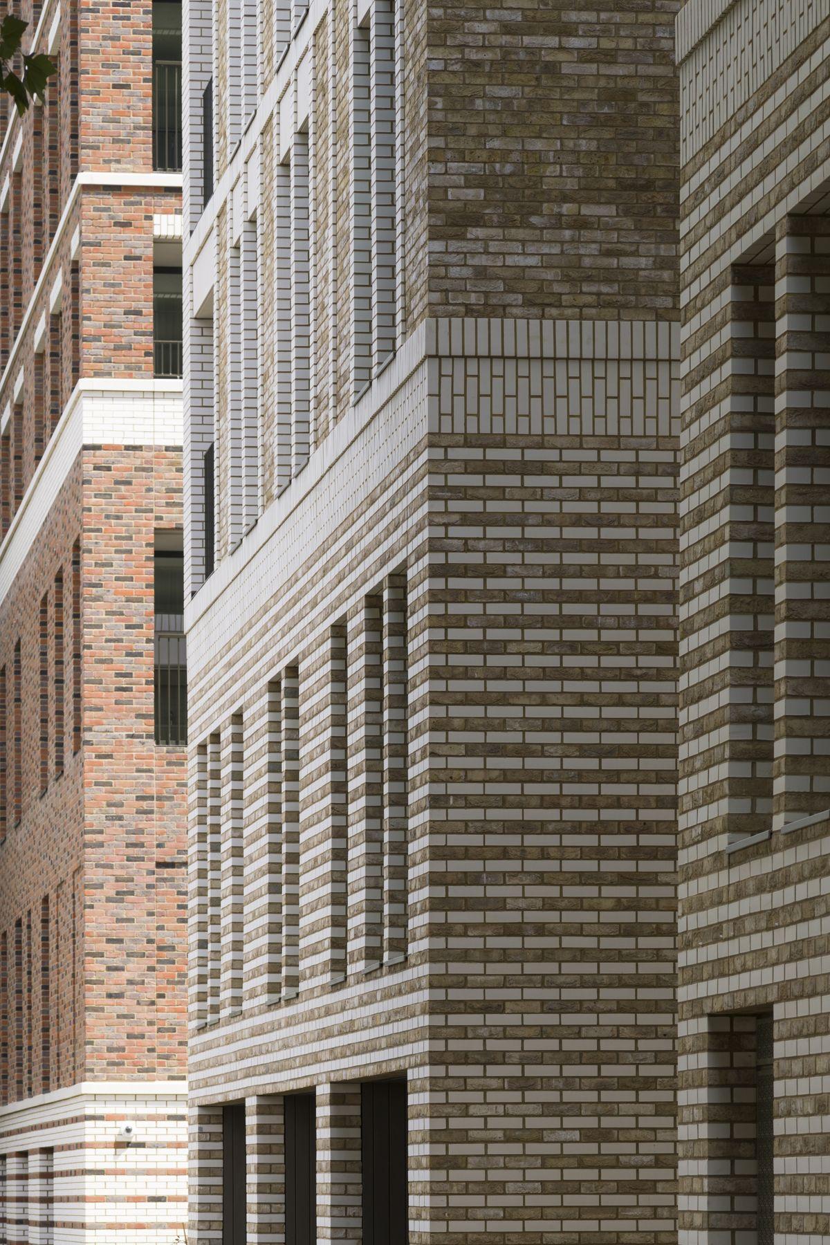Pflegeheim innenarchitektur maccreanor lavington wins the supreme award with south gardens at