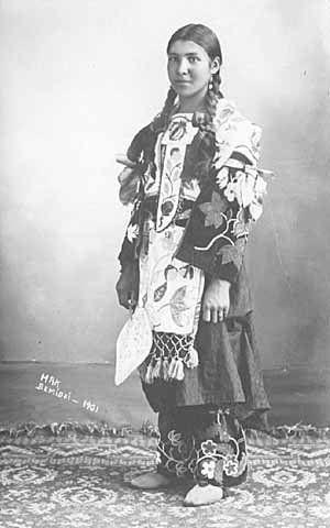 Ojibwa Woman 1901 Ojibwa Native American Women Native