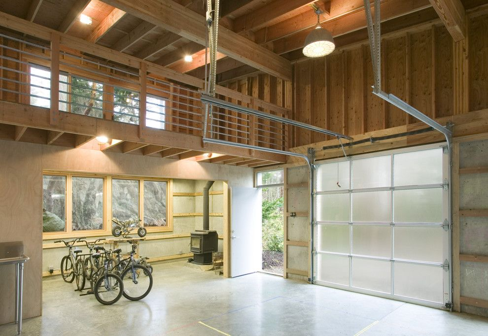 20 Industrial Garage Designs To Get Inspired Garage Design Industrial Garage Door Garage Workshop