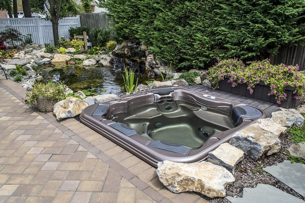 Above ground hot tub landscaping outdoor hot tub for Hot tub landscape design