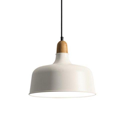 De Wedge Hanglampen Bestaan Uit Een Aluminium Kap Met Houten Armatuur De Lamp Is In Twee Kleurseries En In Drie Maatvoeringen Verk Hanglamp Lampen Verlichting