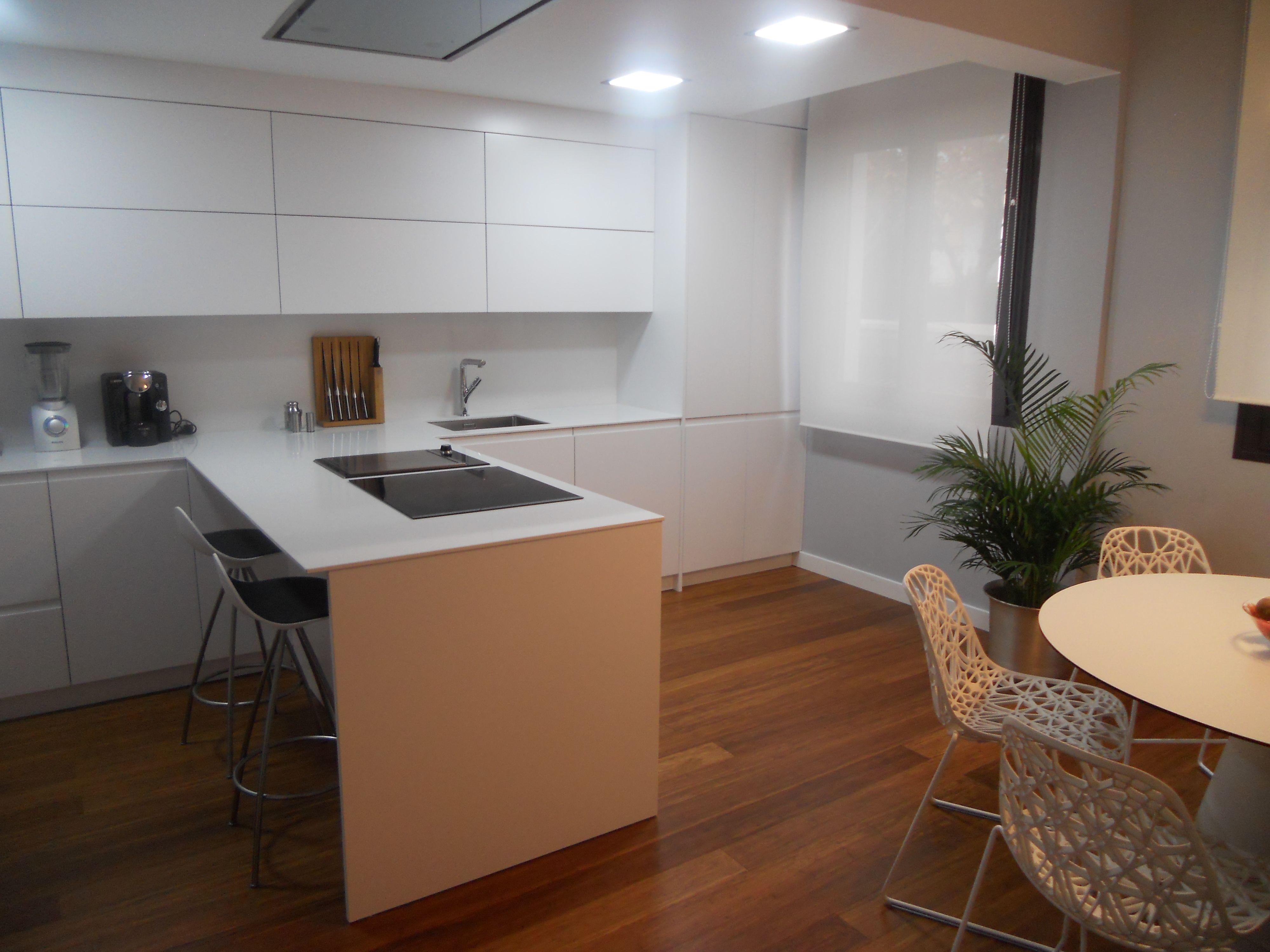 Reforma de cocina en Zaragoza. Diseño Luogo. Reformas y Muebles de ...