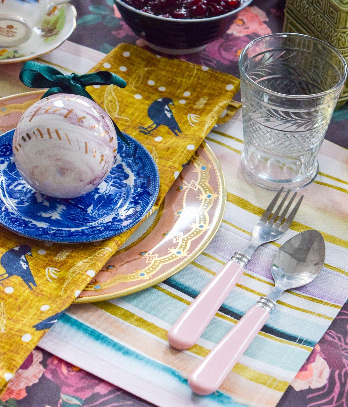 Tipps Für Weihnachtsessen.5 Tipps Für Eine Festliche Tisch Deko Dekorartion Tischdecke