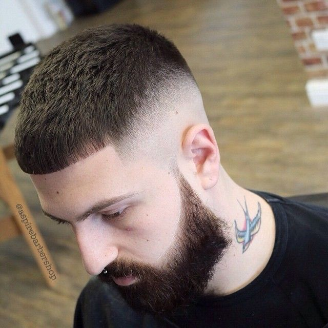 Modna Fryzura Męska Cieniowane Boki Broda Hair Cuts Haircuts