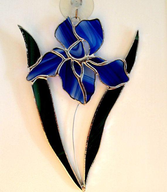 FLOWER GARDEN SUNCATCHER BLUE IRIS NIGHTLIGHT