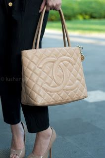products tote valamode img medallion chanel beige authentic