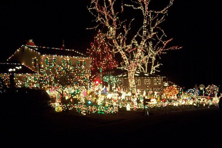 Tacky Lights: 9606 Asbury Court. The Creme Of The Crop Of Tacky Light Tour,  This Is Our Childhood Christmas :D