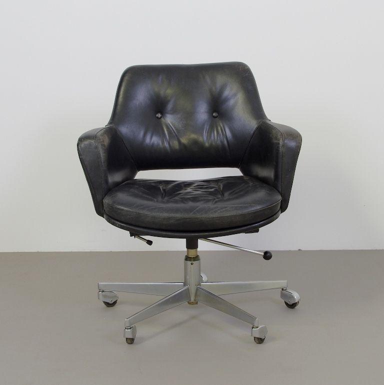Vintage Bureaustoel De Wit.Vintage Bureaustoel Zwart Leer Met Knopen 70s Demachinekamer Nl