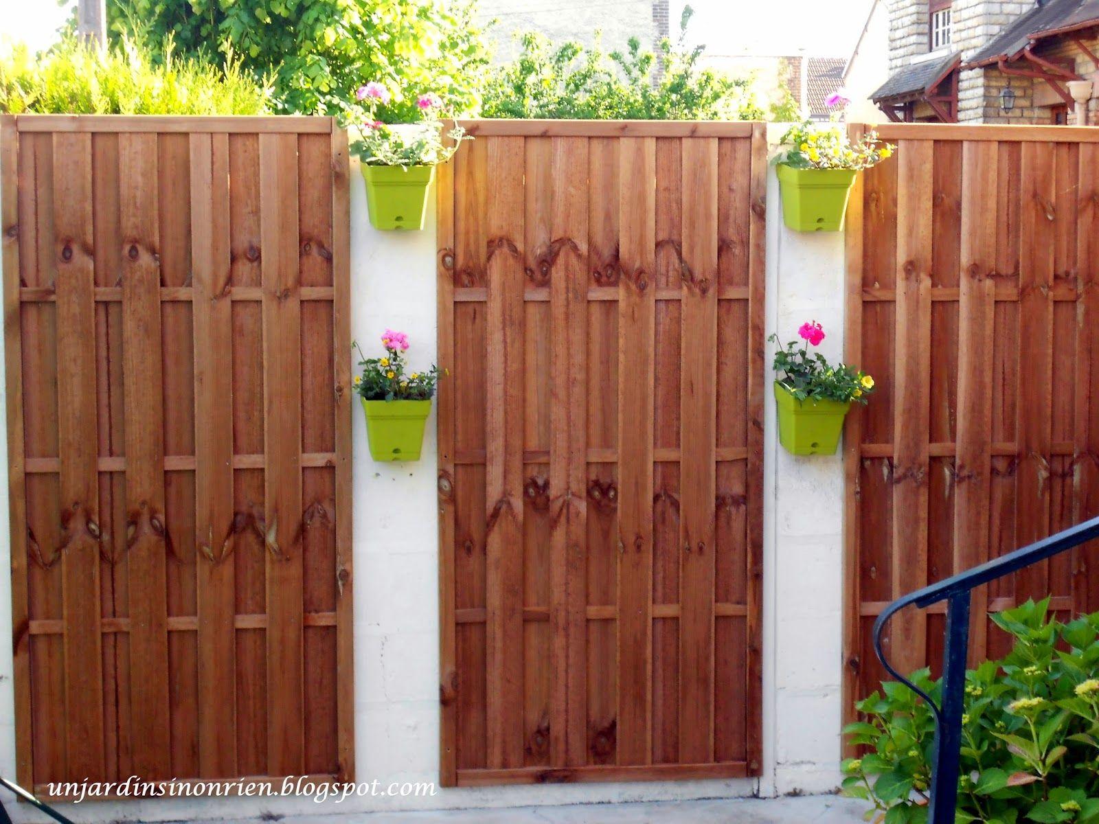 Un jardin sinon rien habiller de bois un mur ext rieur for Recouvrir mur exterieur
