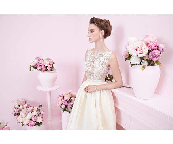 Alon Livne's AMAZING 2014 Bridal Collection. Absolutely