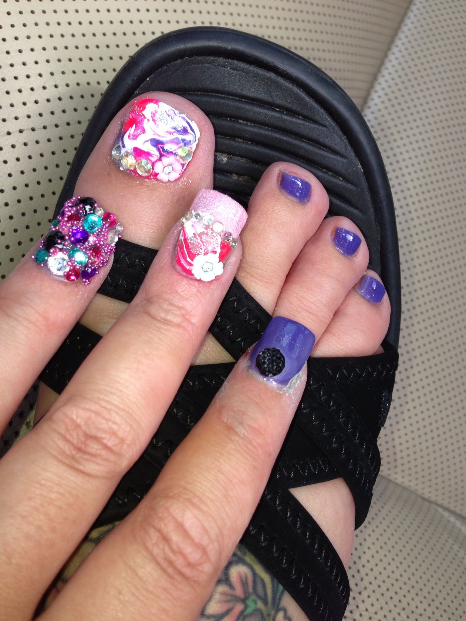 Swirl nails and toe designs Junk nails 3D, purple, hearts, roses ...
