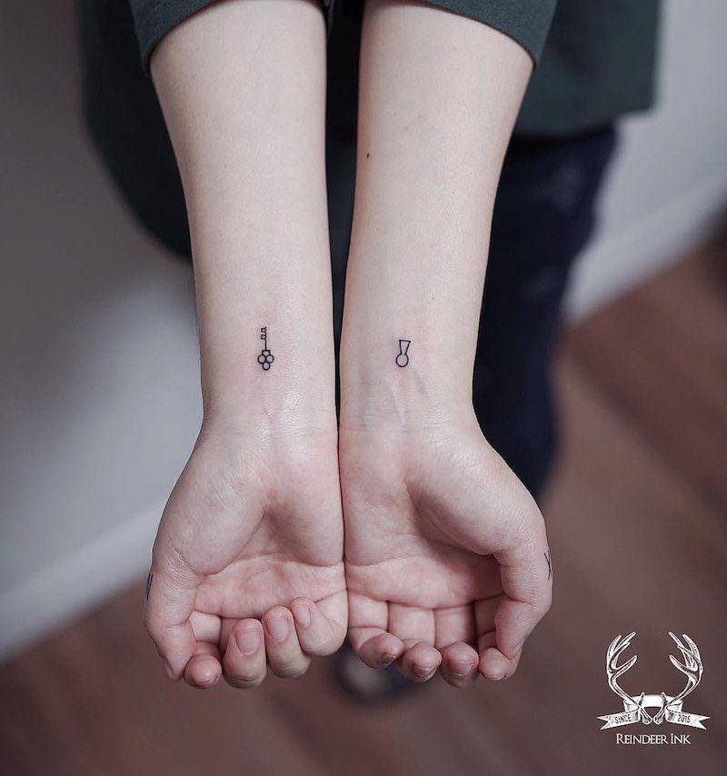 100 Of The Best Small Tattoos Tattoo Insider Minimalist Tattoo Cool Small Tattoos Simplistic Tattoos