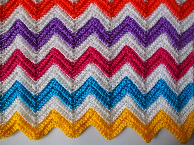 Photo Tutorial] Mix And Match The Yarn Colors In This Zig Zag ...