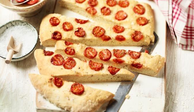 Diese kleinen herzhaften Happen verschwinden im Nu im Mund und schmecken feinwürzig nach Tomaten und Kräutern.