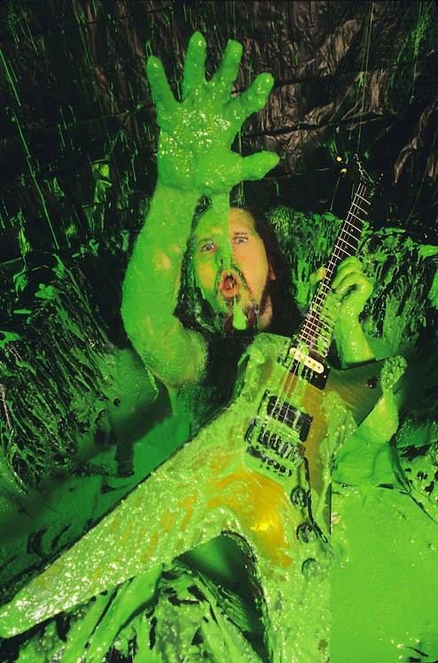 Dimebag Darrell. One of my favorite pictures of him