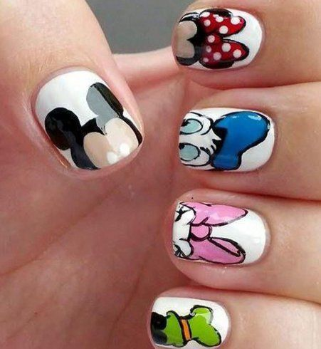 avec le nail art r gressif les dessins anim s s 39 invitent sur nos ongles ongles disney. Black Bedroom Furniture Sets. Home Design Ideas
