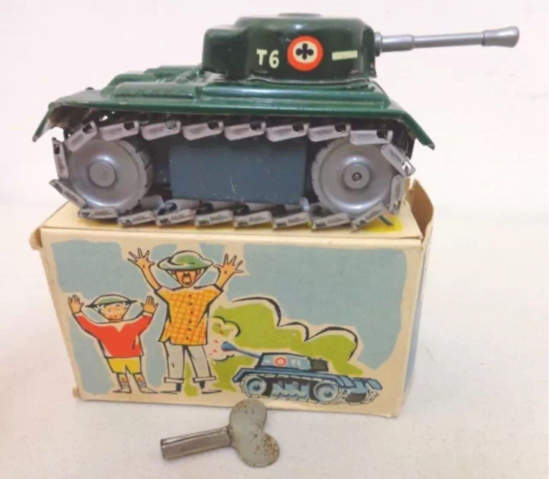 Western Bedroom Tank Toy Box Or: 1950s ARNOLD TIN WINDUP TOY T6 ARMY TANK IN BOX WESTERN